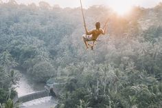 An insider's travel guide to Bali; what to do, eat drink and see in Bali. Ubud, Voyage Bali, Destination Voyage, Wanderlust, Surfer, Photos Voyages, Travel Photographer, Lightroom Presets, Travel Guides