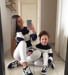 Mother and daughter goals. Mother Daughter Poses, Mother Daughter Matching Outfits, Mother Daughter Fashion, Mom Daughter, Matching Family Outfits, Mom And Baby Outfits, Cute Little Girls Outfits, Outfits Niños, Kids Outfits
