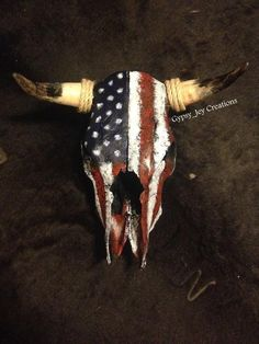 Patriotic American Flag Cow Skull image 3 Deer Skull Decor, Painted Animal Skulls, Cow Skull Art, Skull Crafts, Antler Crafts, Antler Art, Cbx 250, Skulls For Sale, Buffalo Skull