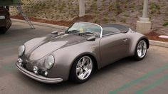 Okay, so I'm basically drawn to the Porsche speedsters- Hey, what do you want from me?, I'm only human Lol. Here's a beauty of a 1957 Porsche Speedster - Hot Rod It's a freaking sweet looking ride! Carros Porsche, Porsche Autos, Porsche Tuning, Car Tuning, Porsche 356 Speedster, Porsche 912, Custom Porsche, Porsche Carrera, Cayman Porsche
