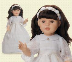 Lidia, muñeca de comunión con un vestido precioso, lleva cuello redondo, limosnera, medalla y una bonita diadema de flores. Muñeca articulada de 60cm  #dolls #comunion #white #blanco #muñeca