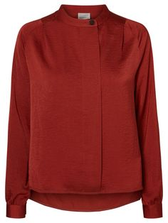 Pretty red shirt from VERO MODA. Ideal to wear with an a line skirt or skinny black jeans.