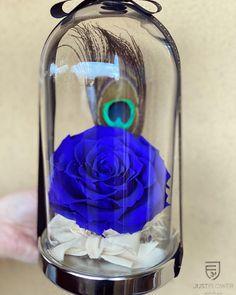 #flowerdesign #justflowerch #geschenkideen #suprise #justforyou #infinityroses #bluerose Fiji Water Bottle, Glass Vase, Just For You, Drinks, Instagram, Decor, Drinking, Beverages, Decoration