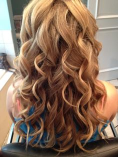 soft curls for long hair..... I need to learn how to do this!