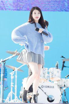Idol, South Korea, Celebrities, Cute, Sweaters, Style, Fashion, Swag, Moda