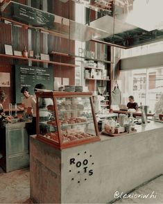 A lovely shot of Roots coffee shop 👌🏽☕️ . Cr: A lovely shot of Roots coffee shop 👌🏽☕️ . Cr: A lovely shot of Roots coffee shop 👌🏽☕️ . Cozy Coffee Shop, Small Coffee Shop, Coffee Store, Coffee Coffee, House Coffee, Drink Coffee, Coffee Shops Ideas, Vintage Coffee Shops, Restaurant Interior Design