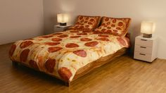Pizza Bedding Makes All Your Dreams Come True... Need this for the spare bedroom!
