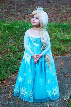 Elsa costume  sc 1 st  Pinterest & 321 best Frozen Elsa Costume images on Pinterest | Elsa cosplay ...