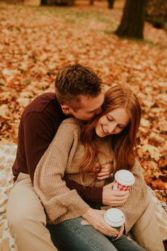 Sweaters and jeans are an engagement photo outfit classic! Sweaters and jeans are an engagement photo outfit classic! Country Engagement Pictures, Engagement Photo Outfits, Engagement Pics, Autumn Engagement Photos, Coffee Engagement Photos, Winter Engagement, Fall Family Photo Outfits, Couple Photography Poses, Engagement Photography