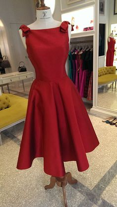 Vassilis Zoulias - Pret a Porter - Audrey 1 15 Dresses, Cute Dresses, Dress Outfits, Formal Dresses, Baptism Outfit, High Fashion, Womens Fashion, Classy Dress, Dress Skirt