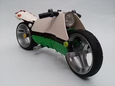 https://flic.kr/p/TD1yFU | The e-Bike | My entry to the 'Build the Future' by Rebrick.com and BMW A motorcycle with electric engine and smart-drive.