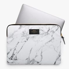Buy the Marble Laptop Case - White from Wouf at AMARA. Macbook Pro 13, Funda Macbook Air, Laptop Case Macbook, Macbook Skin, Marble Laptop Case, Marble Case, Apple Laptop Cases, Accessoires Ipad, Mac Notebook