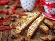 Biscotti ořechové Biscotti - cookies with nuts www.peknevypecenyblog.cz
