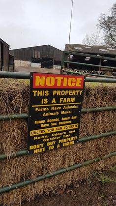 Don't hate on the farm: 18 LOL Funny Signs That You'll Actually Wish You Saw In Person Farm Jokes, Farm Humor, Funny Farm, Humor Humour, Ecards Humor, Life Humor, Memes Humor, Country Girl Life, Country Girl Quotes