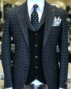 Now that's Distinguished Gentlemen's Attire!!!! #Classicman #Standout #Classy HAUTE -BBnBaB