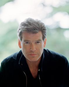 Now there's a man that gets better looking with age! Pierce Brosnan