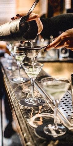 Save on your wedding alcohol budget. Make-your-own martini bar for an ultra glam wedding reception. Source by hlykrtls Martini Bar, Espresso Martini, Wedding Alcohol, Cocktail Photography, Food Photography, Black Tie Affair, Le Chef, Happy Hour, Cheers