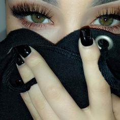 http://richesnbitches.tumblr.com/ beauty inspiration lashes *.。.:*♡