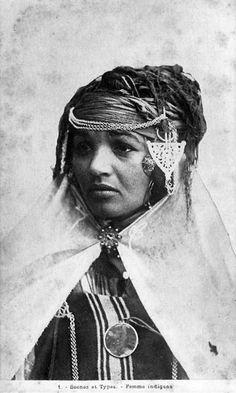 Africa: Berber woman, Algeria
