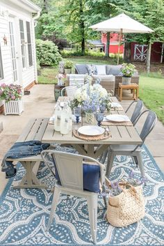 garden furniture My Affordable Patio Furniture and Outdoor Decorating Tips - Home Stories A to Z Patio Diy, Backyard Patio, Backyard Ideas, Pergola Ideas, Landscaping Around Patio, Garden Ideas, Desert Backyard, Pergola Kits, Cheap Patio Furniture