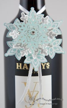 Festive Flurry 3D Snowflake Bottle Tag and Video Tutorial Festive Flurry Stamps and Framelits, Heat embossing Joanne James, Independent Stampin' Up UK Demonstrator, blog.thecraftyowl.co.uk