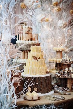 Winter woodland snow themed wedding cake