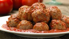polpette rezept Try these flavorful meatballs on their own, in a tomato sauce or in a submarine sandwich. Epicure Recipes, Pork Recipes, Vegan Recipes, Drink Recipes, Recipies, Greek Meatballs, Parmesan Meatballs, Healthy Eating Tips, Healthy Nutrition