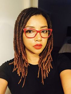 Great article on basic maintence of locs. Kari William shares the how to shampoo locs and moisturize. Short Locs Hairstyles, Cool Hairstyles, Black Hairstyles, Wedding Hairstyles, Hair Inspo, Hair Inspiration, Nattes Twist Outs, Beautiful Dreadlocks, Pretty Dreads