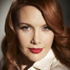 Clare Bowditch hair, lighting