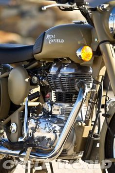 Royal Enfield Classic Ten Bikes with Soul and Character- CW Feature Enfield Bike, Enfield Motorcycle, Motorcycle Engine, Royal Enfield Classic 350cc, Royal Enfield Wallpapers, Bullet Bike Royal Enfield, Royal Enfield Modified, Bike Photoshoot, Classic Wallpaper