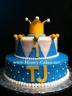Baby boy Prince first birthday cake.