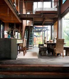Australian Grand Designs, Callignee II. The manifestation of Chris Clarke's