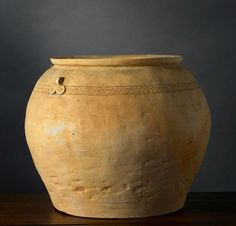 JARRE VIETNAM, PERIODE HAN-VIET, 1ER-3E SIÈCLE. Grès à couverte. H. 23,5 cm…