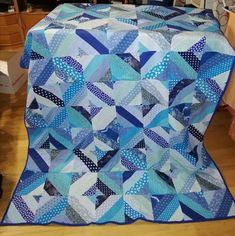 nach einem Video von Donna Jordan Fabrics gearbeitet Jordans, Fabrics, Quilts, Blanket, Videos, Breien, Tejidos, Quilt Sets, Blankets