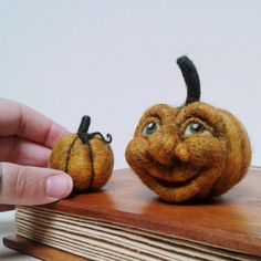 Needle Felted Smiling Pumpkin. Jack o Lantern, Happy Pumpkin. Halloween, Fall…