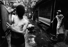 Daidō Moriyama (森山 大道 Moriyama Daidō, born October is a Japanese photographer noted for his images depicting the breakdown of traditional values in post-war Japan. Moriyama received the. Old Photography, History Of Photography, Street Photography, Photography Lessons, Photography Gallery, Documentary Photography, Abstract Photography, Digital Photography, Fashion Photography