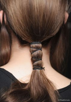 Two easy ways to update your ponytail Classic Hairstyles, Unique Hairstyles, Ponytail Hairstyles, Wedding Hairstyles, Short Hairstyles, Hair Inspo, Hair Inspiration, Hair Arrange, Hair Knot
