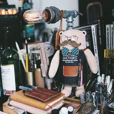 就咁,同豬肉佬何嘗唔想成為一個偉大嘅舞蹈家一樣,喺圍裙底下我哋都有著赤裸裸嘅...憧憬。我工廠熊又何嘗唔想成為一個魅力不凡嘅紳士吖,不過外表嘅嘢間唔中威吓都無妨呵。Did some laser craft  adornment for MF Bear just for fun. #manualfactory #manualfactorybear #logonhk #lasercraft #lasercut #bear #hongkong #hk #stationery #stationeryporn #stationerylove #stationeryaddict #craft #mfbear