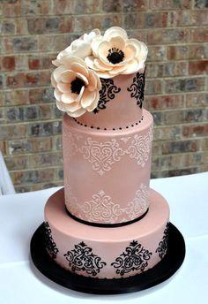 Classic and Elegant Tiered Wedding Cakes - MODwedding