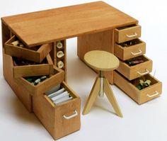 All about dollhouses and miniatures: 4 April geeft Bert Aarts de Workshop hobbytafel maken met draaibare laden en kruk