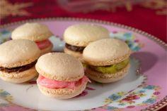 Macaron-leivokset ✦Tunnetut ranskalaiset herkkuleivokset. http://www.valio.fi/reseptit/macaron-pikkuleivokset/ #resepti #ruoka