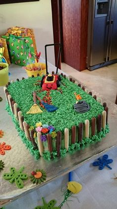 1000 ideas about lawn mower cake on pinterest cakes birthday cakes and grass cake - Lawn mower for small spaces decor ...