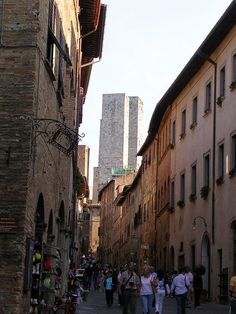 Alley in San Gimignano, Italy