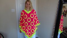 Hi there, This poncho is fun to make. This is Part 1 and the Written Pattern is on my blog @ http://www.gillyscraftworld.com/2014/03/how-to-crochet-poncho.ht...
