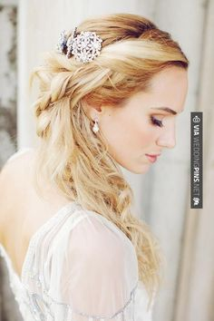 So awesome! - Luxury Is Golden Wedding | CHECK OUT MORE IDEAS AT WEDDINGPINS.NET | #weddings #hair #weddinghair #weddinghairstyles #hairstyles #events #forweddings #iloveweddings #romance #beauty #planners #fashion #weddingphotos #weddingpictures