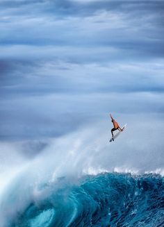 surfing cloudbreak, fiji | extreme sports + lifestyle photography #adventure