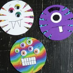 to Do With CDs: 18 Recycled Crafts from Household Items I love this collection of What to Do With CDs: 9 Recycled Crafts from Household Items; there's finally a use for those old CDs!The In Sound from Way Out! The In Sound from Way Out! may refer to: Recycled Cds, Recycled Crafts Kids, Cd Crafts, Preschool Crafts, Halloween 2018, Halloween Crafts For Kids, Halloween Diy, Group Halloween, Craft Tutorials