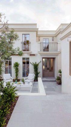 Classic House Design, Dream Home Design, Modern House Design, Contemporary Design, Luxury Homes Dream Houses, Mediterranean Homes, Mediterranean House Exterior, Dream House Exterior, Classic House Exterior