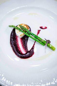 #goatcheese #asparagus #spiceyberryssauce #chefeduard