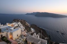 Zoe's hotel view in Santorini! Beautiful Places To Visit, Oh The Places You'll Go, Beautiful World, Places To Travel, Around The World In 80 Days, Travel Around The World, Around The Worlds, Santorini, Travel The World Quotes
